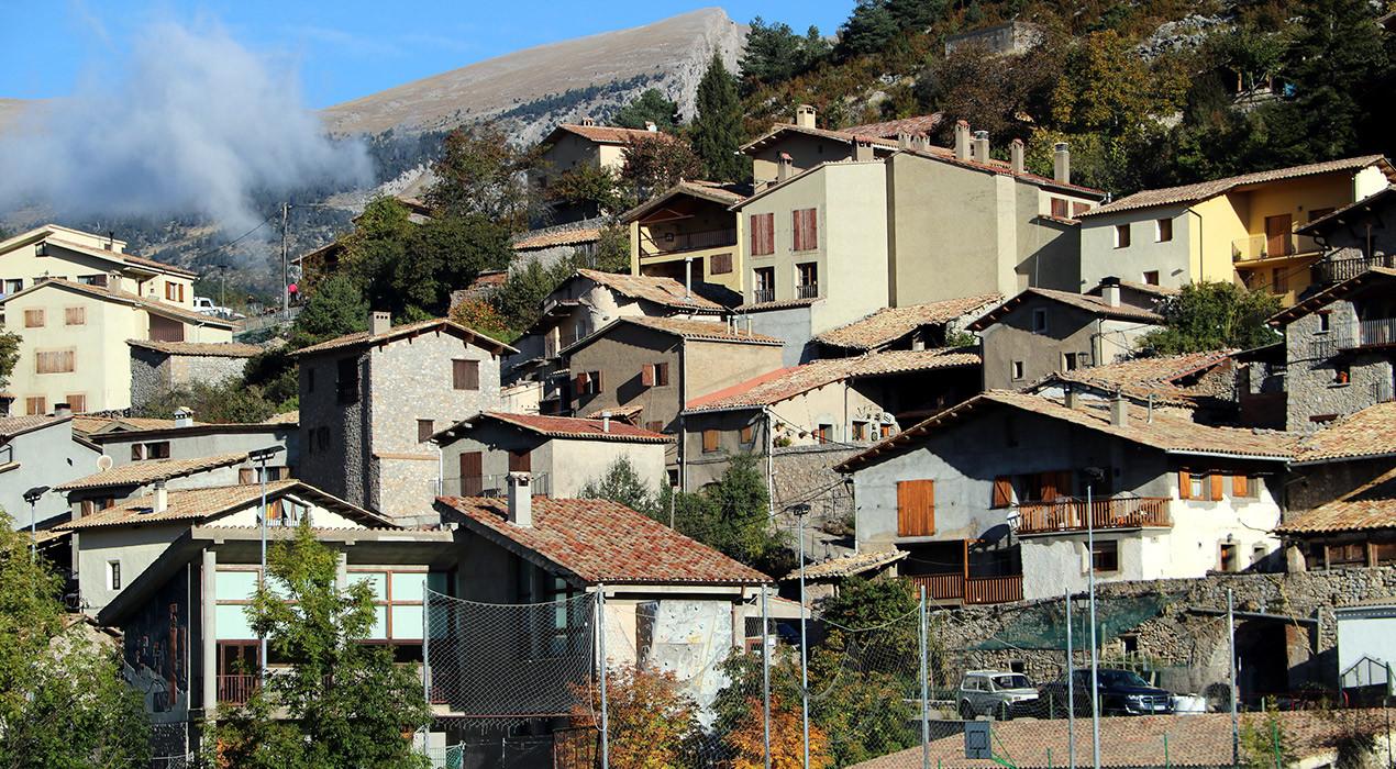 Bri d'esperança per als pobles petits: el Govern planteja permetre la mobilitat comarcal a partir de dilluns