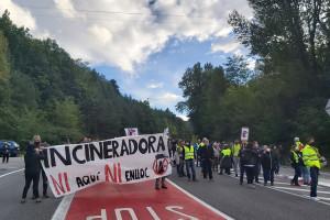 Entitats d'arreu de Catalunya reclamen que es compleixi el que va aprovar el Parlament: stop a noves incineradores