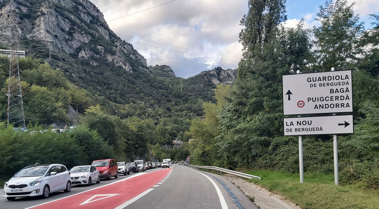 El trànsit a la C-16 al Berguedà creix respecte el primer cap de setmana d'octubre, però queda lluny dels col·lapses del pont del Pilar