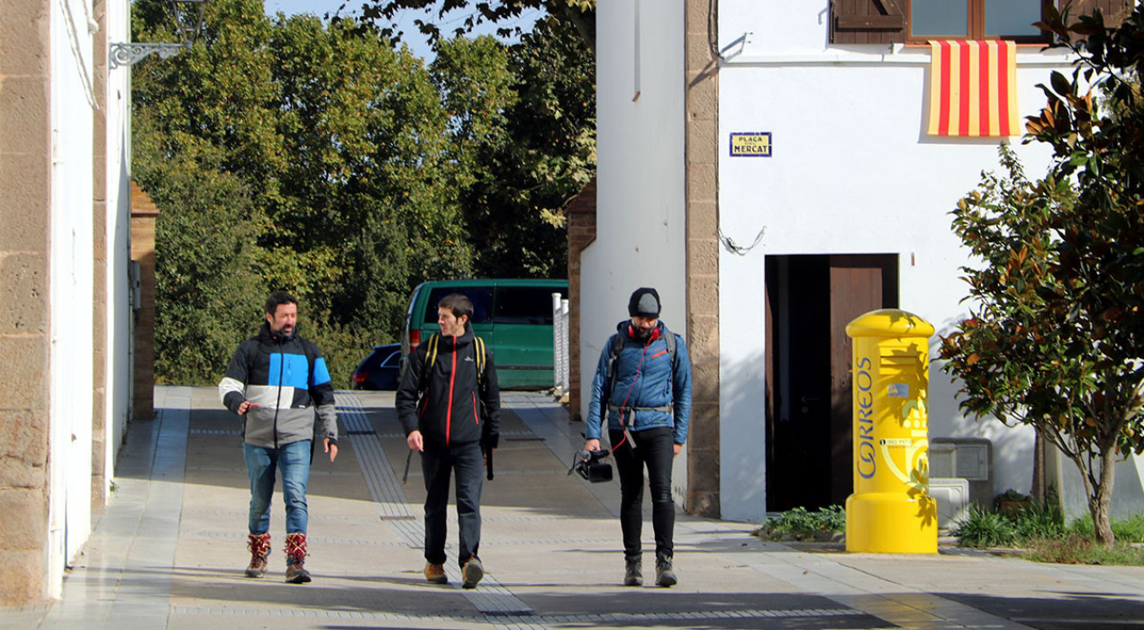 Cinc dies a peu des de Queralt fins a Manresa per impregnar-se de la cultura popular i recollir l'experiència en un documental