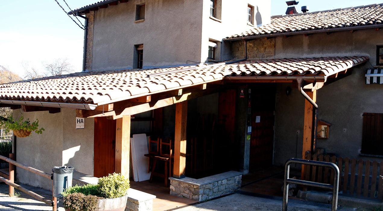 """Hostaleria i Turisme del Berguedà diu que el confinament municipal és """"un tancament encobert"""""""