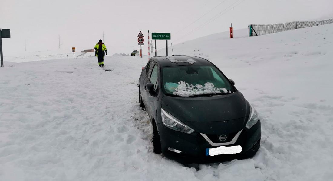 coll-de-pal-cotxe-atrapat-neu