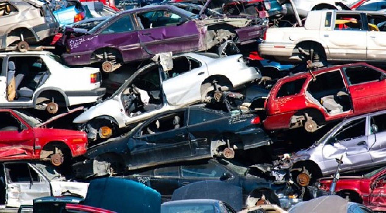 Quin procés cal seguir per reciclar un cotxe?