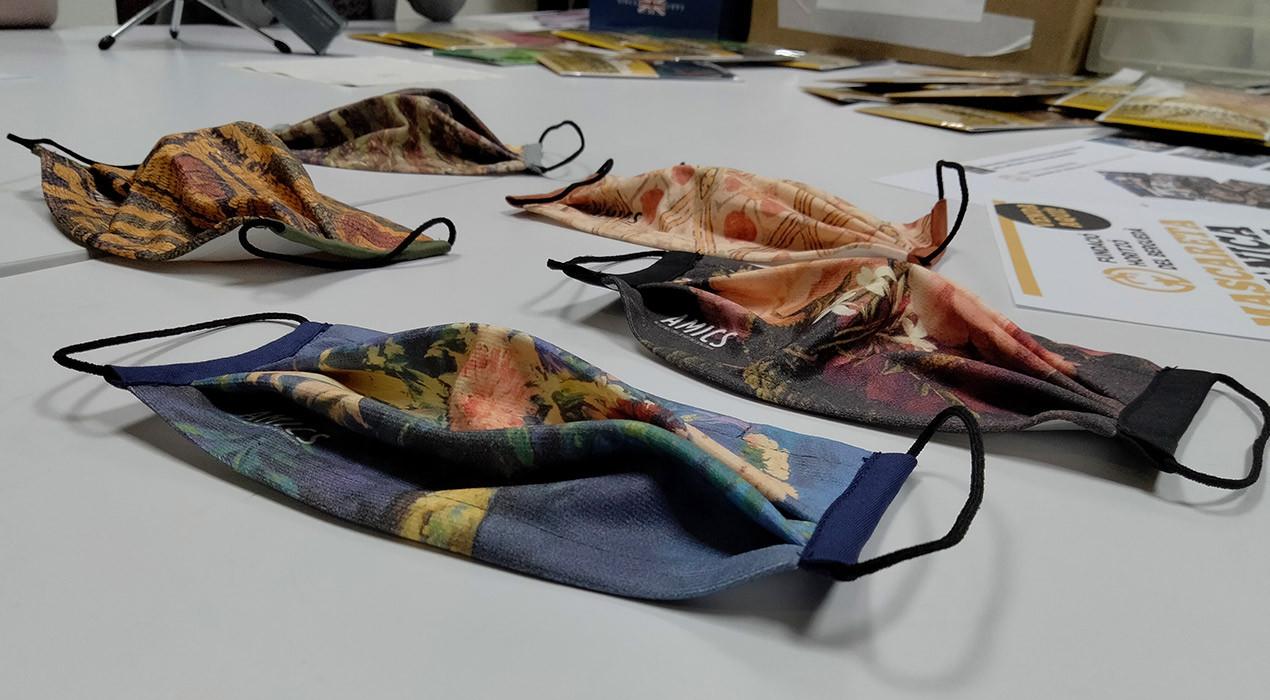 La Fundació Horitzó estrena una línia de mascaretes d'obres del Museu Nacional d'Art de Catalunya