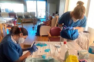 La residència de Casserres, la primera del Berguedà en rebre l'última dosi de la vacuna