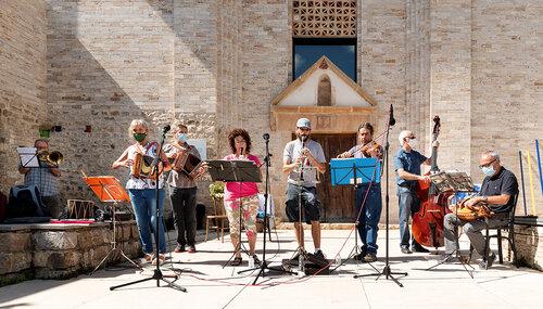 Vermut musical: Berguedana de folklore total @ Monestir de Sant Llorenç (GUARDIOLA DE BERGUEDÀ)