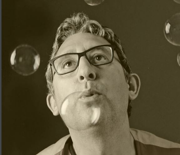 Dani Magyk: 35 anys fent màgia @ Cinema Catalunya (BERGA)