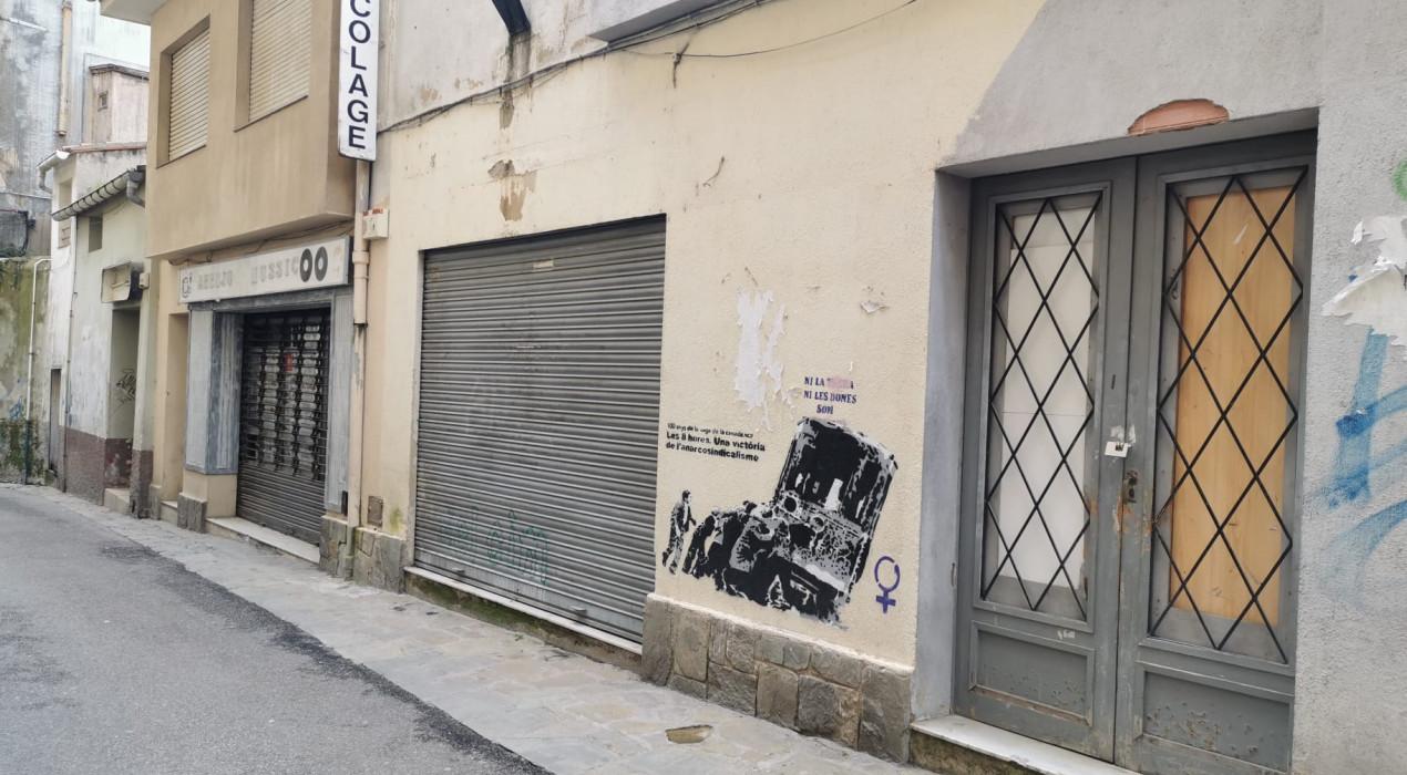 Ocupen diversos locals del carrer del Balç i el carrer Mossèn Comellas de Berga en pocs dies de diferència