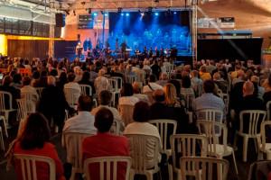 El musical Arrelats, de Puig-reig, veu la llum i atrau gairebé 1.200 espectadors en dues funcions