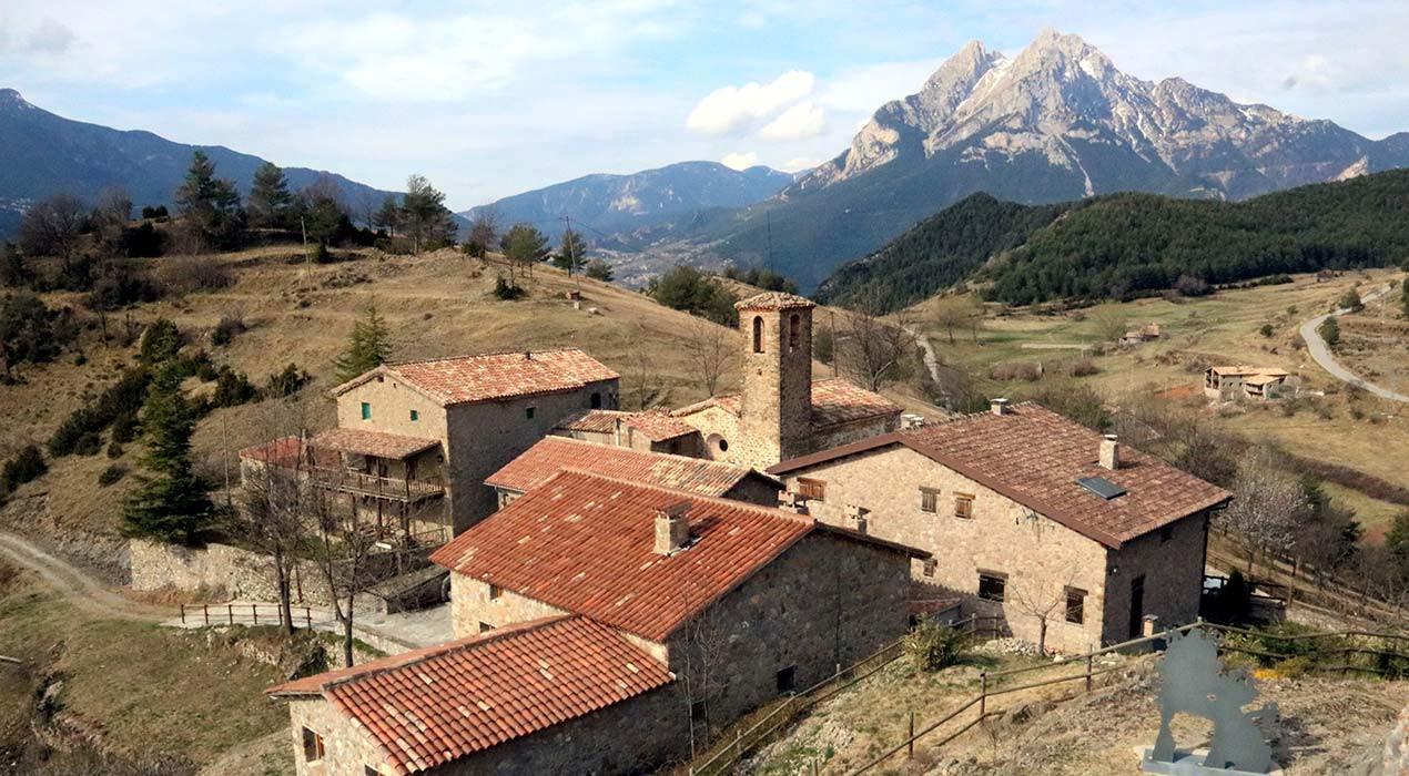 Endesa encalla l'arribada de la fibra òptica al poble més petit de Catalunya