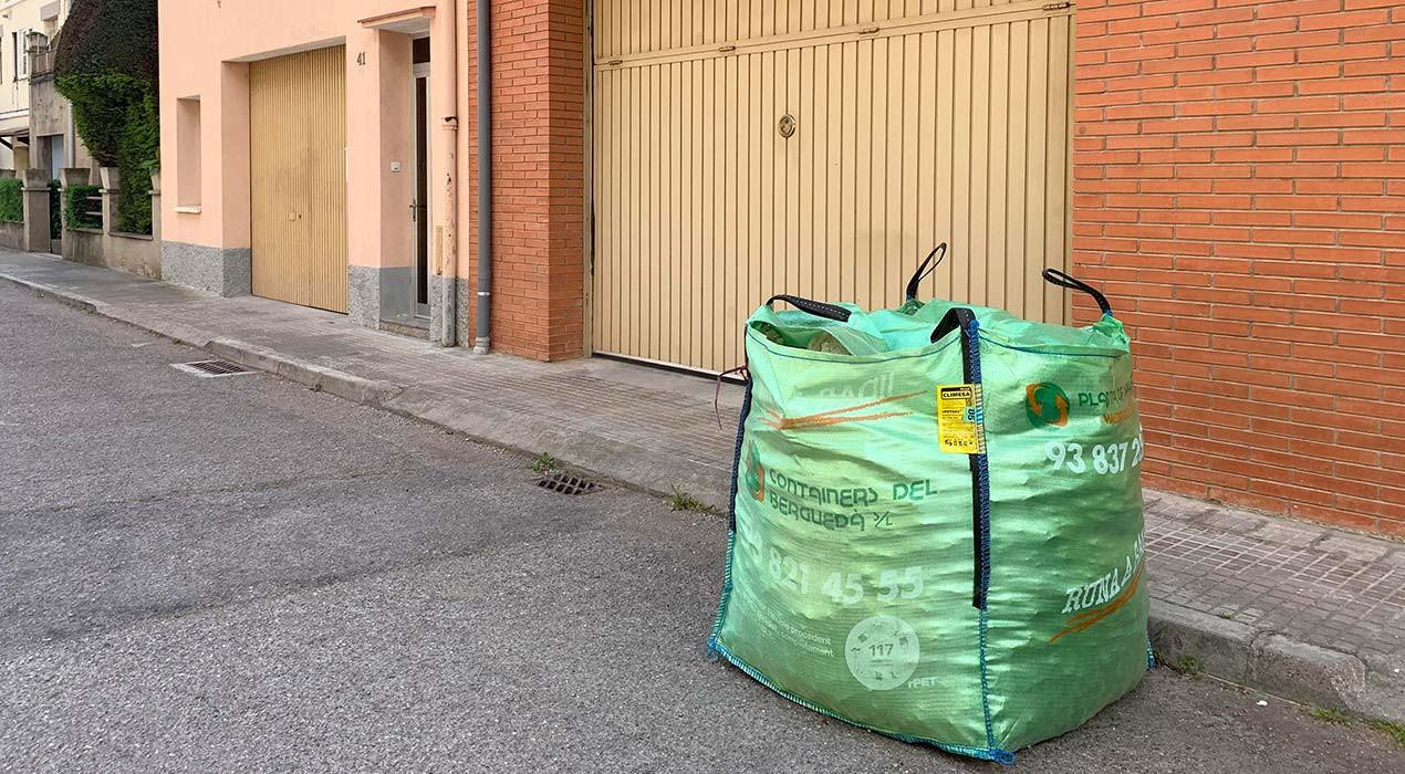 Creen uns sacs de runa sostenibles i reciclables al 100% al Berguedà i el Bages